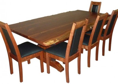 Red tingle dining table and chairs - Croyden